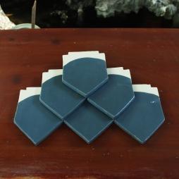 Ngói vảy cá nhọn men xanh Blue Fonte