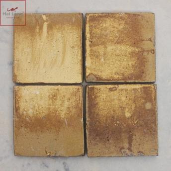 Gạch cổ lát nền men khô vàng gấm